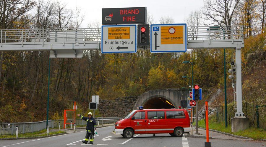 146878 5JqF1GiSx 900x500 - Brandmeldealarm im Tunnel Grünburg