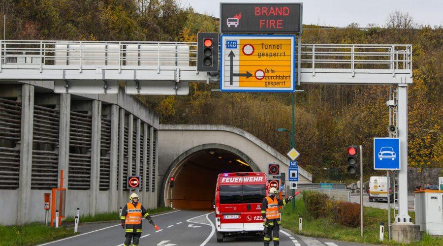 146880 Dl8BtBZQA 900x500 - Brandmeldealarm im Tunnel Grünburg